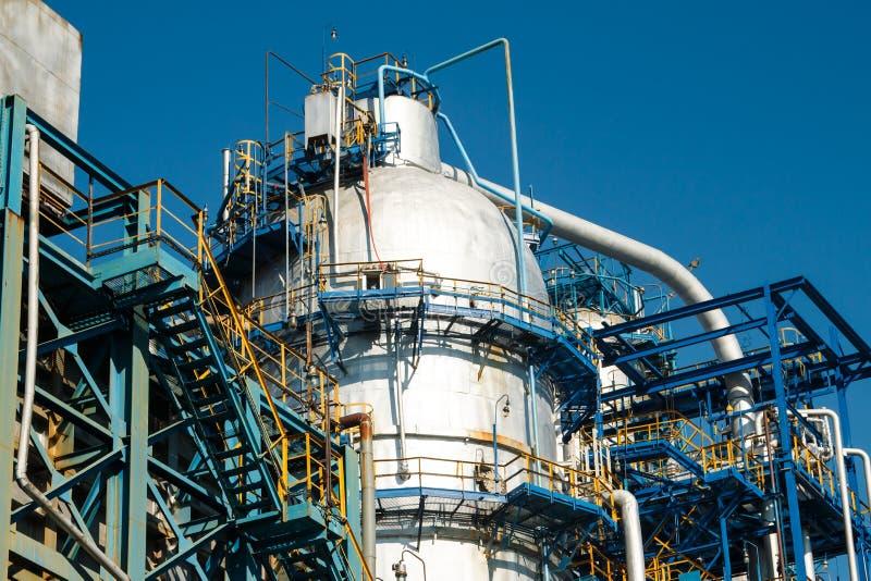 石油精炼的设备 免版税库存照片