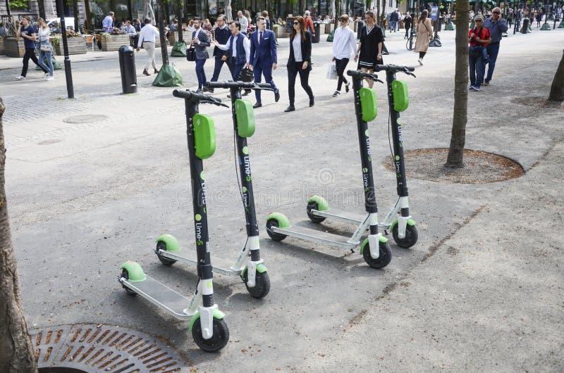 石灰电滑行车,斯德哥尔摩,瑞典 免版税库存图片