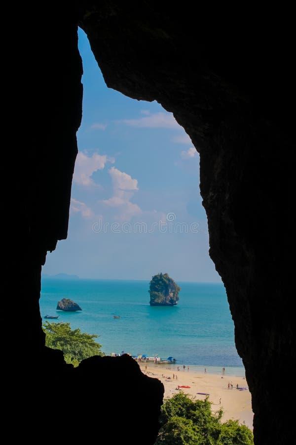 石灰石洞在Krabi,泰国 库存照片