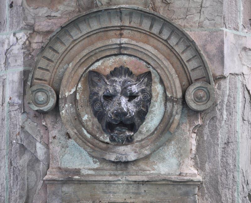 石狮子坚硬的墨西哥喷泉装饰 图库摄影