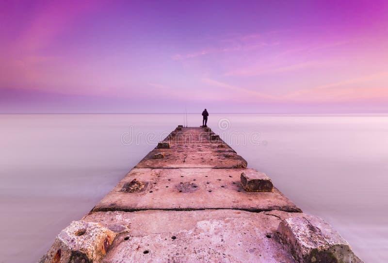 石跳船和风平浪静 免版税图库摄影