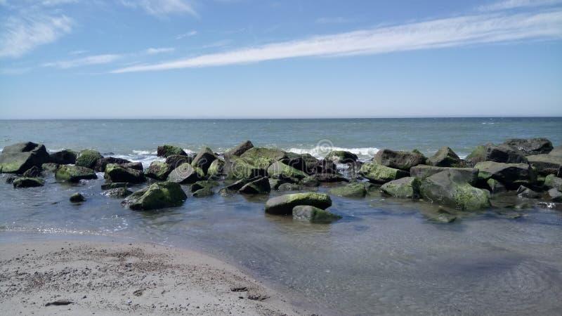 石头在丹麦的北海 图库摄影