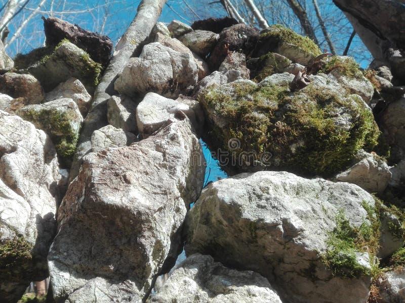 石头墙壁 免版税库存图片
