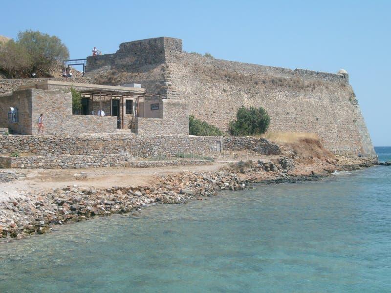 石头小岛在克里特岛海的 免版税库存照片