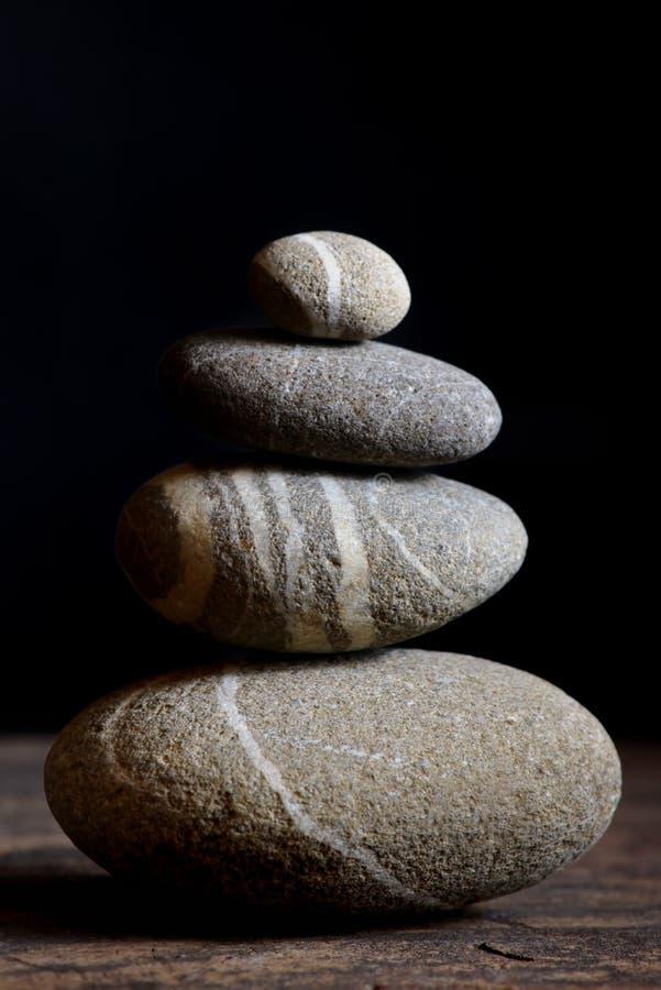 从石头的金字塔 免版税库存图片