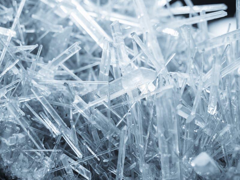 矿物水晶石英岩石白色纹理自然摘要背景 库存图片