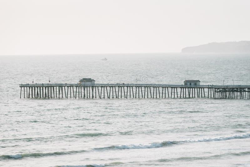 码头的看法在圣克莱芒特,橙县,加利福尼亚 免版税库存照片