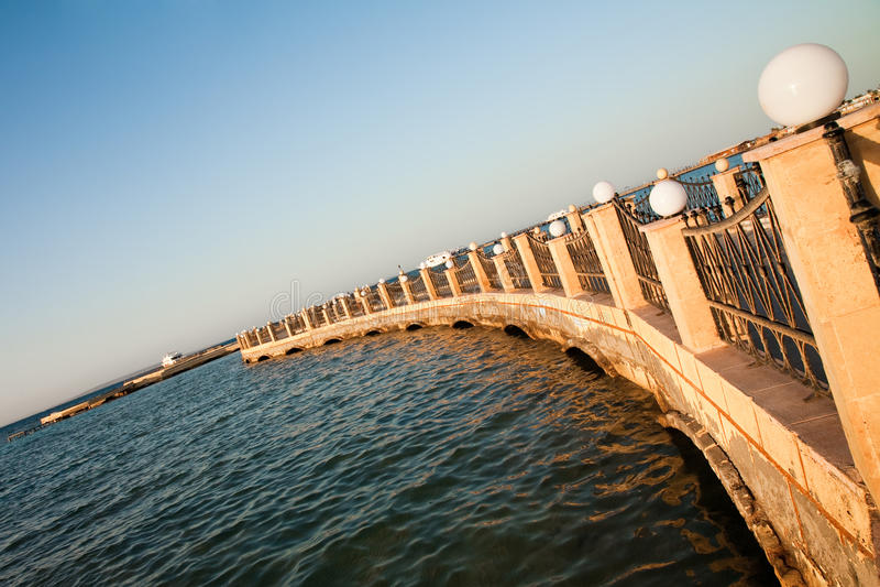 码头红海石头 免版税库存照片
