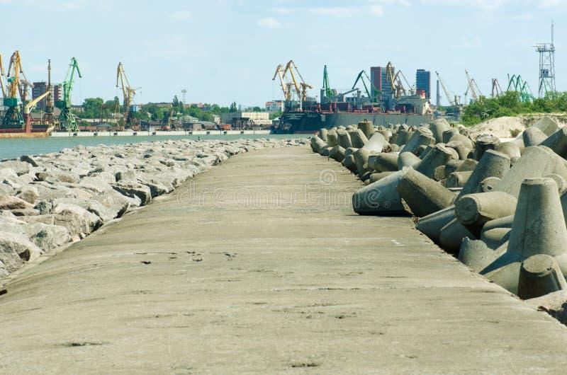 码头和港口在克莱佩达,立陶宛 免版税库存照片