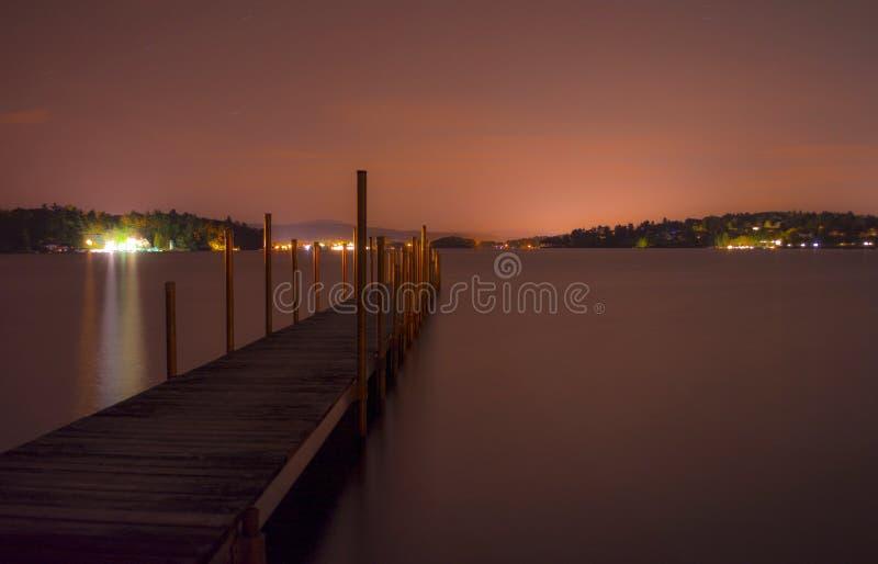 码头在晚上 免版税库存图片