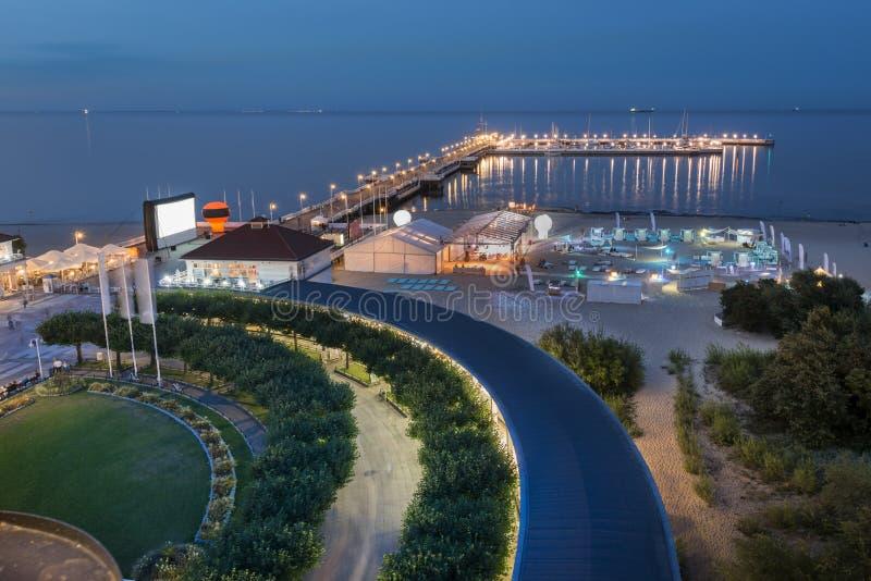 码头夜鸟瞰图在波罗的海的索波特 图库摄影