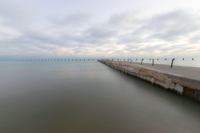 码头早晨多云 图库摄影