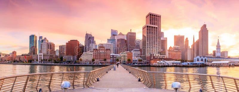 从码头14的旧金山视图 免版税库存照片
