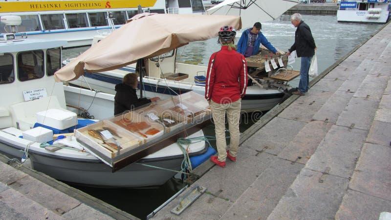 码头边firsh市场在赫尔辛基,芬兰 库存照片
