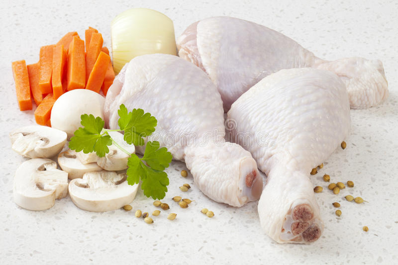 砂锅原始鸡的成份 免版税库存照片