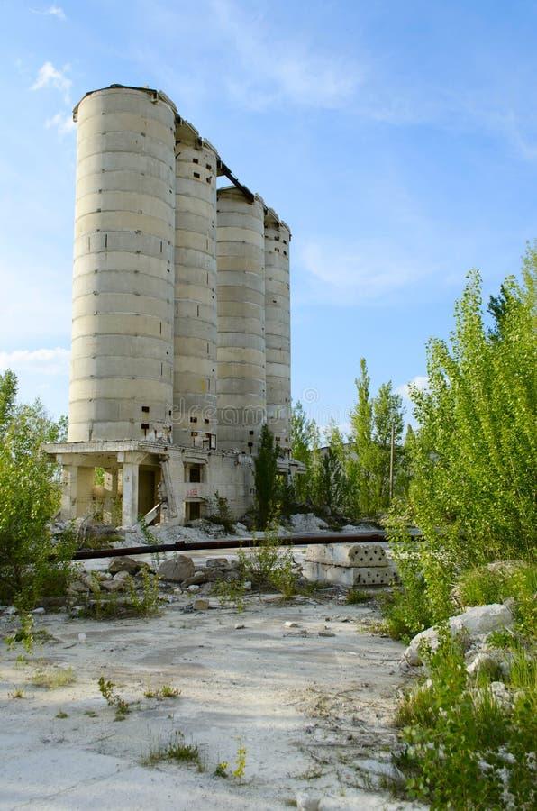 砖工厂的废墟 免版税库存图片