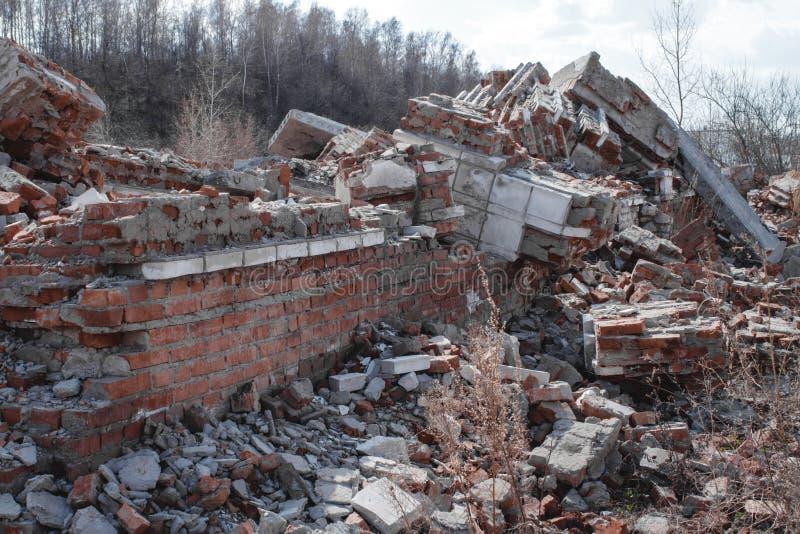 砖房子的废墟 毁坏房子,自然灾害 图库摄影