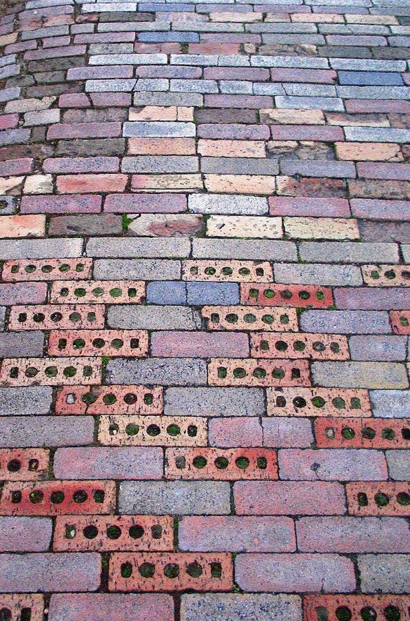 砖按照路 免版税库存图片