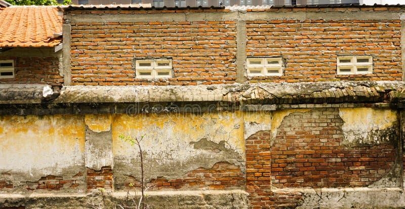 砖构造了在三宝垄拍的墙壁照片印度尼西亚 库存图片