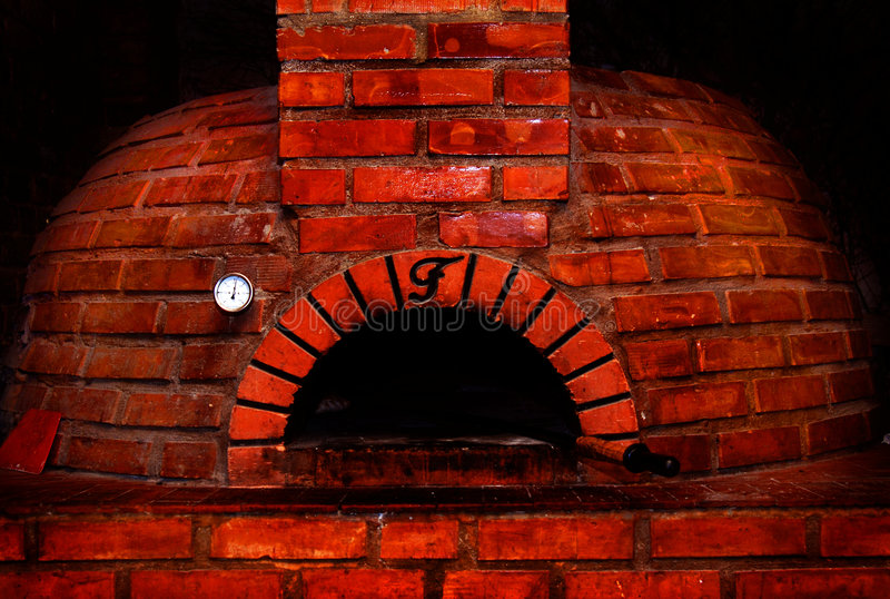 砖烤箱红色 免版税库存图片