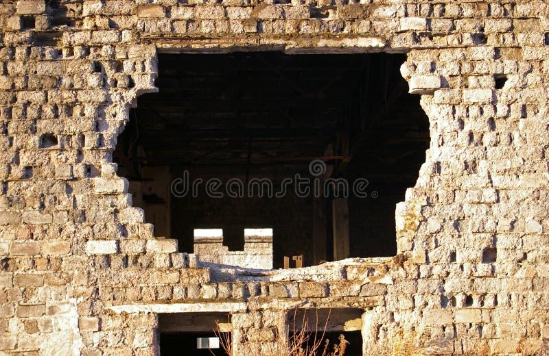 砖被毁坏的墙壁 图库摄影