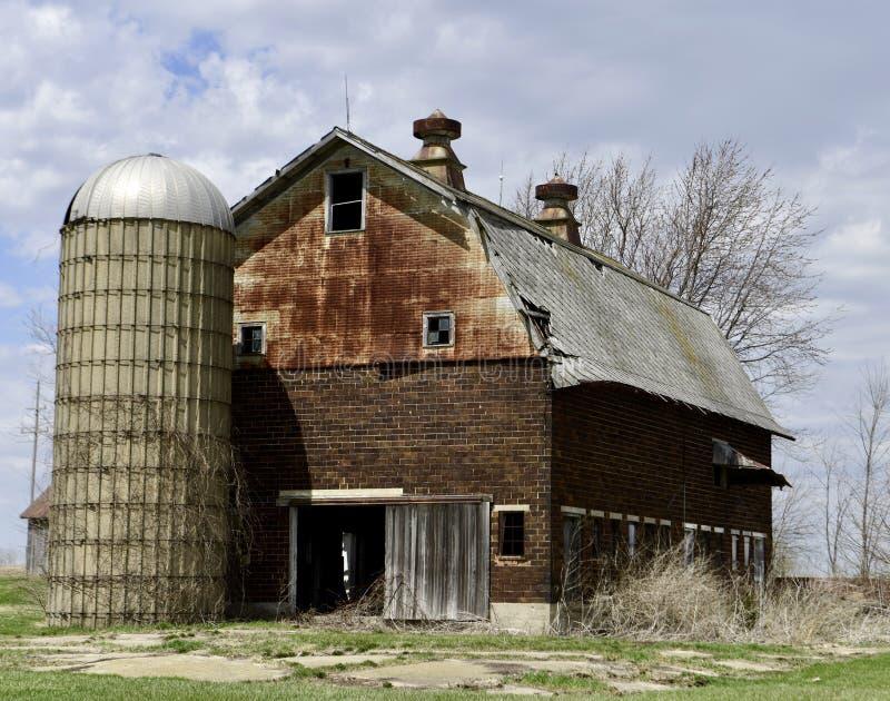 砖谷仓 库存照片