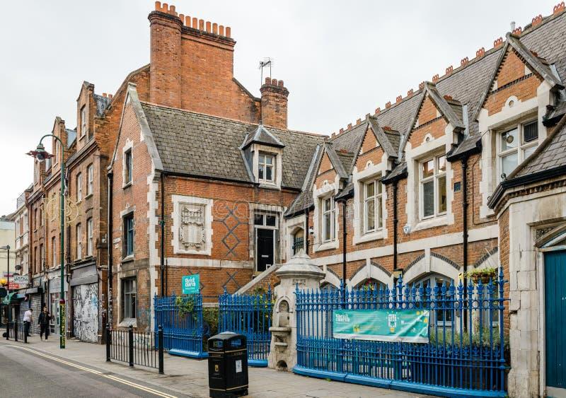 砖车道的牛津大学基督堂学院小学在东伦敦 库存图片