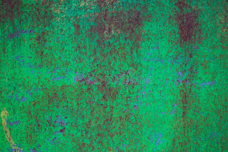 破旧的深绿生锈的金属纹理背景 免版税图库摄影