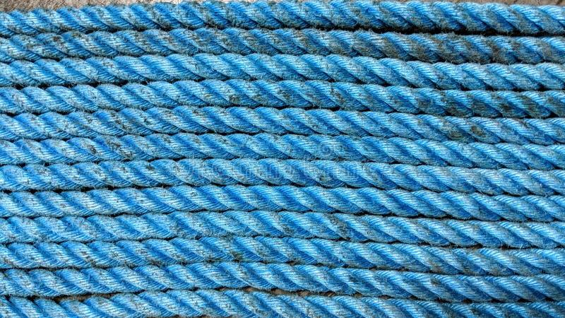 破旧的蓝色绳索 库存例证