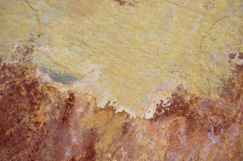 破裂和削皮油漆老墙壁背景 经典难看的东西 免版税库存图片