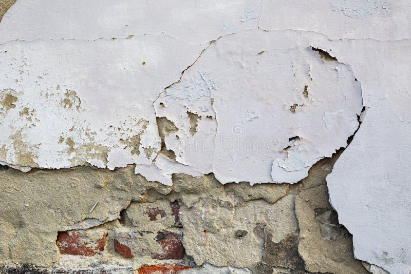 破裂的墙壁 年迈的建筑学细节 库存照片