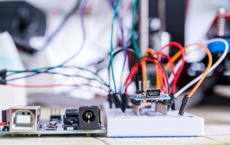 硬件维修车间的电子委员会 免版税库存照片