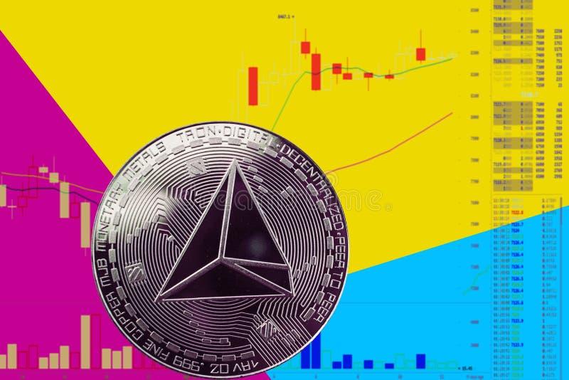 硬币在图和黄色蓝色霓虹背景的cryptocurrency trx 向量例证