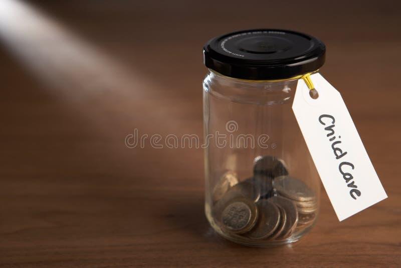 硬币堵塞瓶子 免版税库存图片