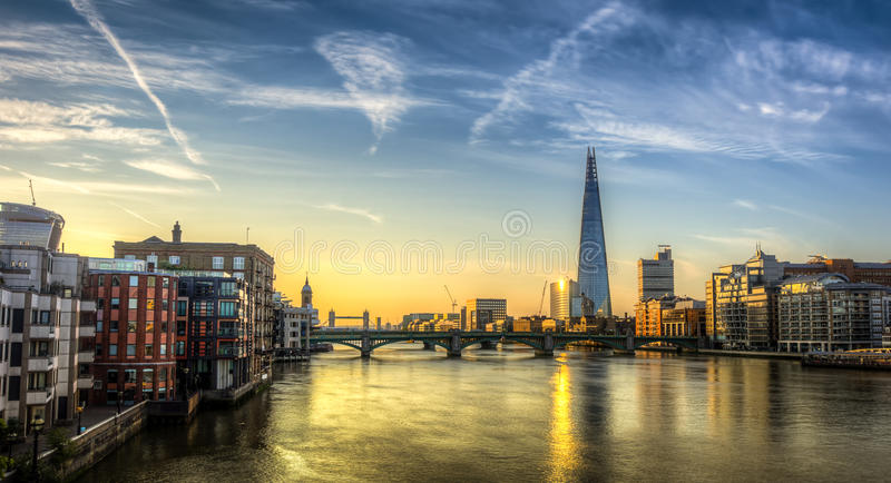 碎片伦敦桥 库存照片