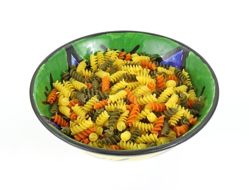 碗五颜六色的rotini 免版税库存照片
