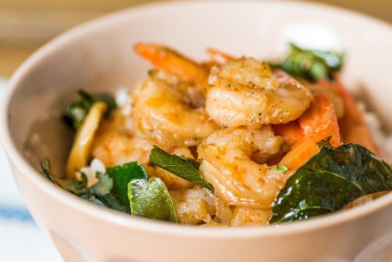 碗可口亚洲人油煎的虾 库存图片
