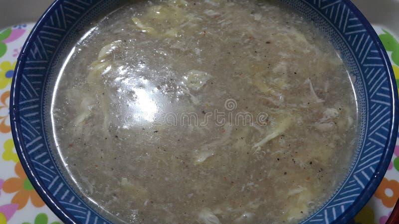碗接近的看法中国辣汤 免版税库存图片