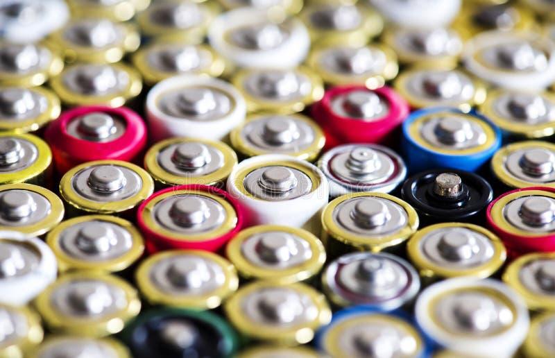 碱性电池背景 免版税库存图片