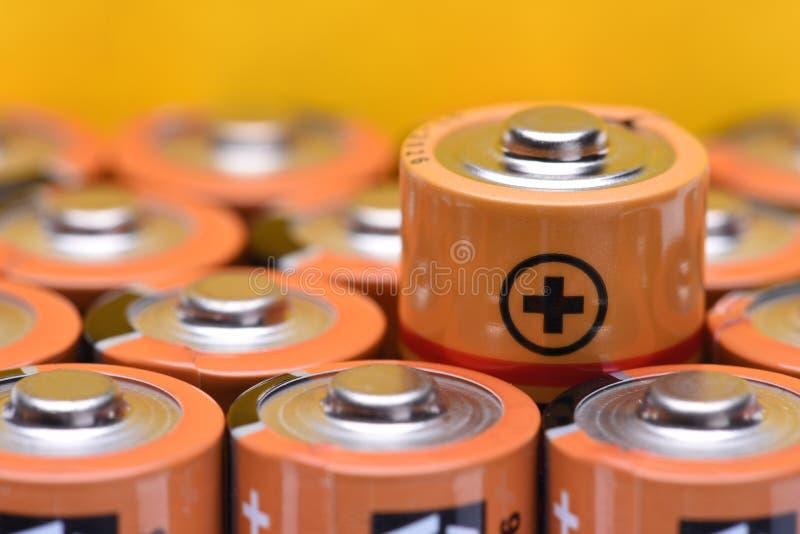 碱性电池aa大小 库存图片