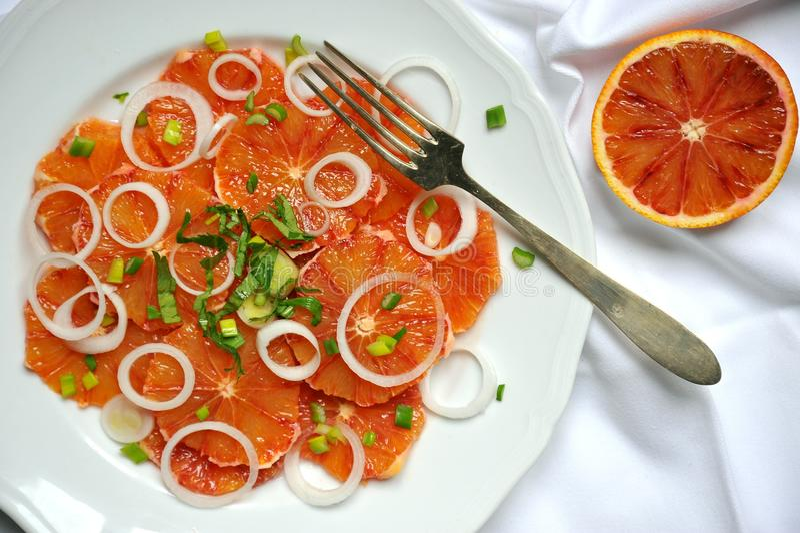 碱性,健康食物:红色血橙沙拉 免版税图库摄影