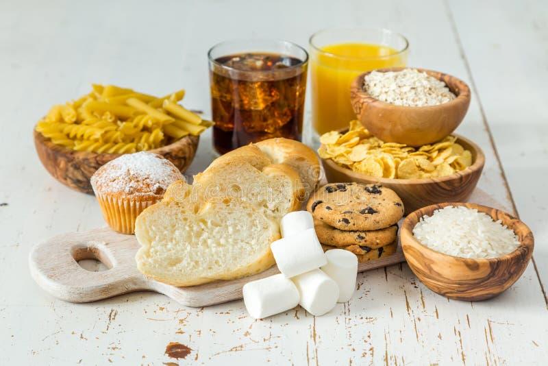 Download 碳水化合物的坏来源的选择 库存照片. 图片 包括有 可乐, 空白, 健康, 曲奇饼, 巴西, 饮食, 来源 - 72365312