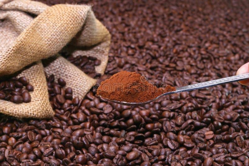 碾碎的咖啡 库存图片