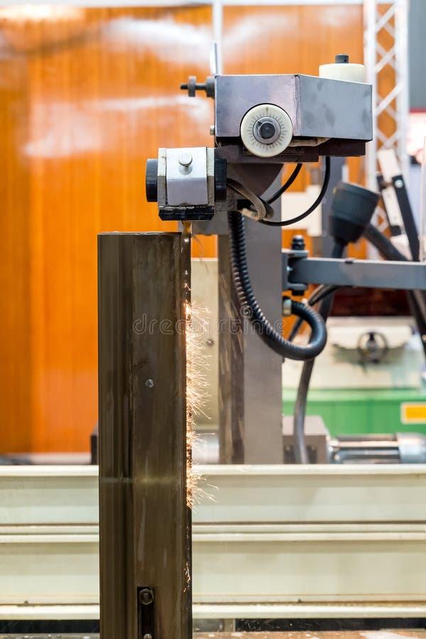碾碎的电镀物品放电在工厂加工(EDM)工作 库存图片