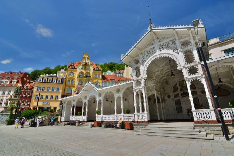 磨房柱廊 karlovy变化 cesky捷克krumlov中世纪老共和国城镇视图 库存照片