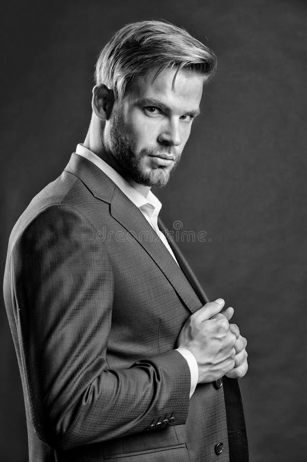 礼服的商人 确信的强壮男子 完全领导,事务的面孔 最佳的经理  需要生活 图库摄影