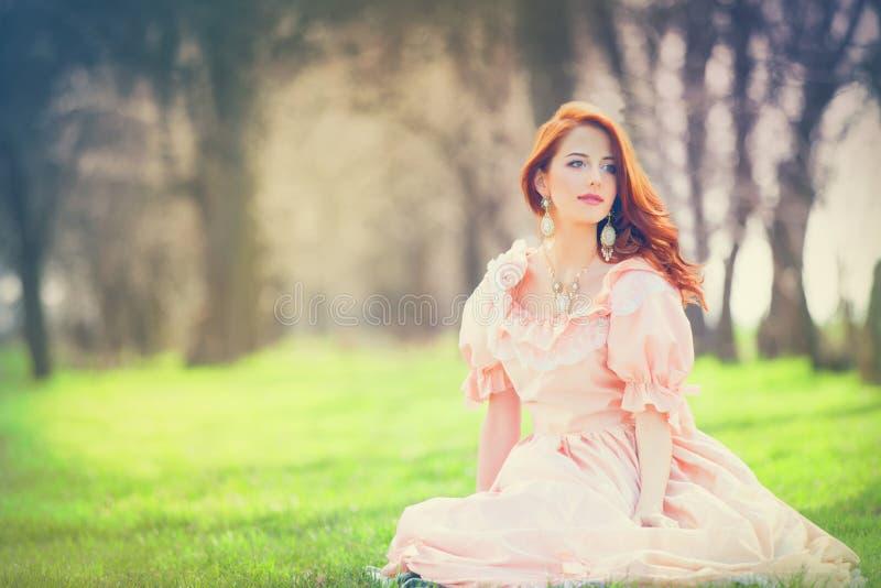 礼服的妇女 免版税库存图片