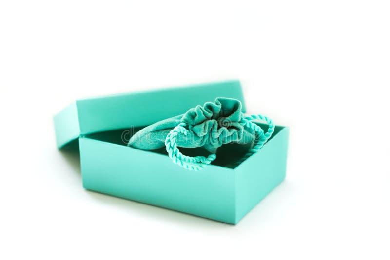 礼物的绿松石箱子 免版税图库摄影