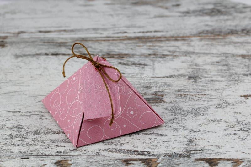 礼物盒,由纸制成 免版税库存图片