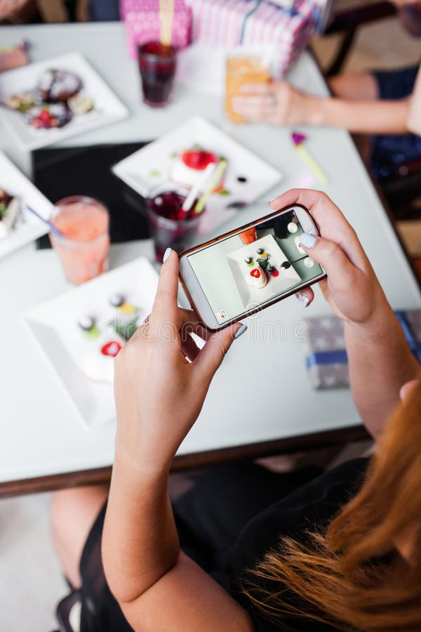 社会媒介食物图片 现代的生活方式 免版税库存照片